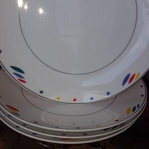 Studio Nova 4 large plates